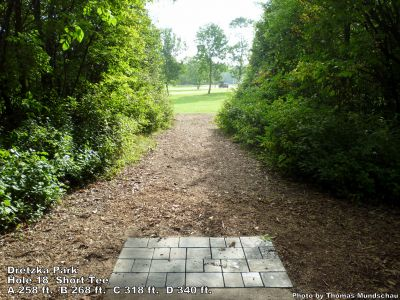 Dretzka Park, Main course, Hole 18 Short tee pad