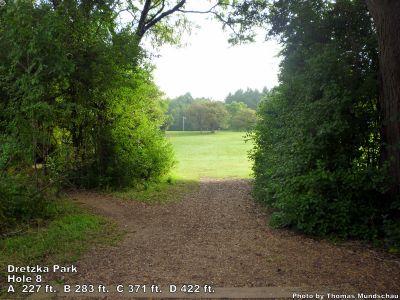 Dretzka Park, Main course, Hole 8 Tee pad