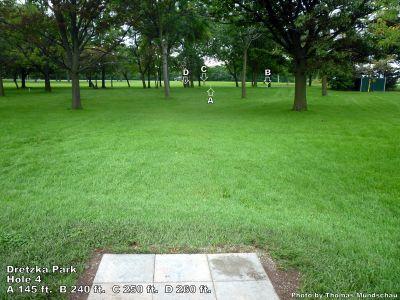 Dretzka Park, Main course, Hole 4 Tee pad