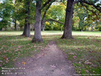 Miniwaukan Park, Main course, Hole 6 Tee pad