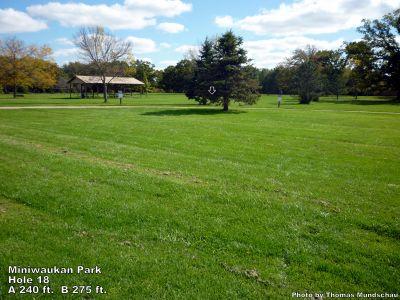 Miniwaukan Park, Main course, Hole 18 Tee pad