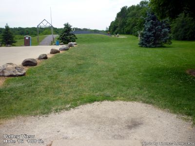 Valley View Park, Main course, Hole 16 Tee pad