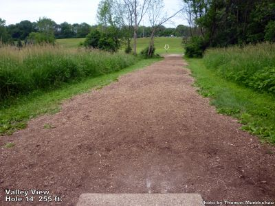 Valley View Park, Main course, Hole 14 Tee pad