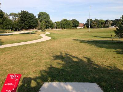 Kiwanis Park, Main course, Hole 5 Tee pad