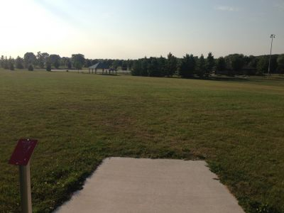 Kiwanis Park, Main course, Hole 9 Tee pad