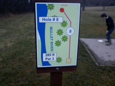 H.A. Meyer Park, Main course, Hole 8 Tee pad