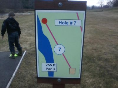H.A. Meyer Park, Main course, Hole 7 Tee pad