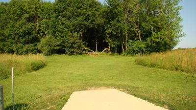 Tendick Nature Park, Main course, Hole 2 Tee pad
