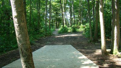 Tendick Nature Park, Main course, Hole 9 Tee pad