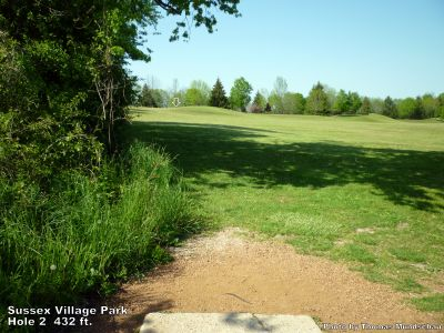 Village Park, Main course, Hole 2 Tee pad