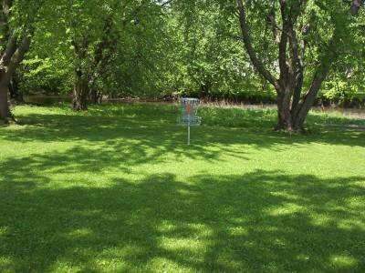 River DGC, Main course, Hole 1 Putt