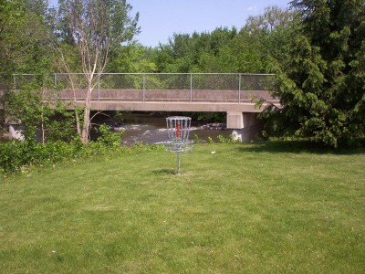 River DGC, Main course, Hole 5 Putt