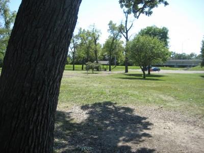 Tourist Park, Main course, Hole 9 Short approach