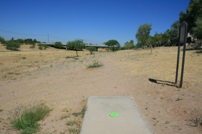 Thunderbird-Paseo, Main course, Hole 16 Tee pad