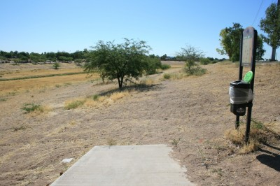 Thunderbird-Paseo, Main course, Hole 6 Tee pad