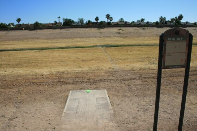 Thunderbird-Paseo, Main course, Hole 9 Tee pad
