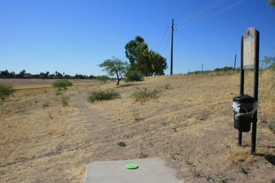 Thunderbird-Paseo, Main course, Hole 7 Tee pad