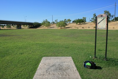 Thunderbird-Paseo, Main course, Hole 1 Tee pad