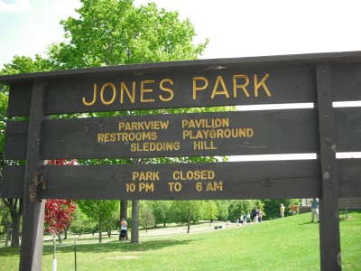 Jones Park, Main course, Hole 1 Tee pad