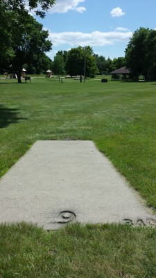 Eagle DGC - Memorial Park, Main course, Hole 9 Tee pad