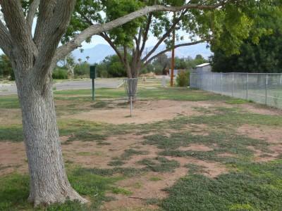 Groves Park, Main course, Hole 17 Putt