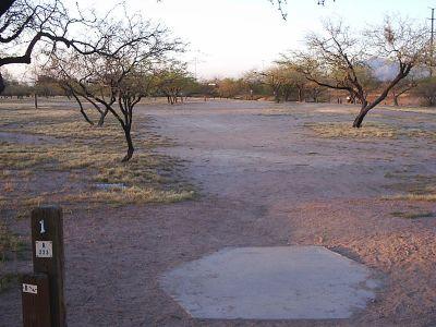 Santa Cruz River Park, Main course, Hole 1 Tee pad