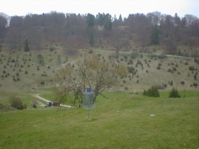 Discgolf Parcours Söhnstetten, Main course, Hole 4 Short approach