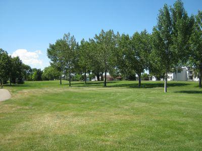 Nicholas Sheran Park, Main course, Hole 16 Middle tee pad