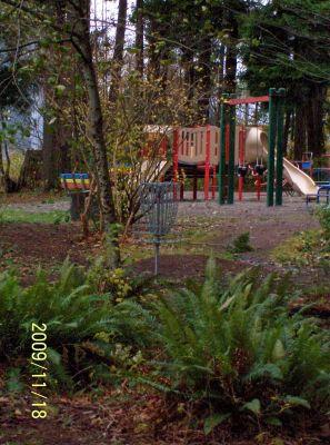 Village Park, Main course, Hole 9 Short approach