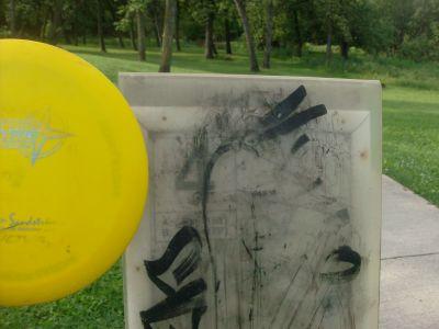 Happyland Park, Main course, Hole 4 Hole sign