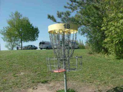 White Spruce Park, Main course, Hole 18 Short tee pad