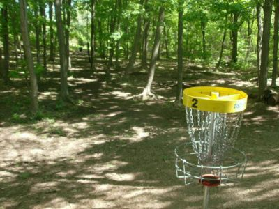 White Spruce Park, Main course, Hole 2 Short tee pad