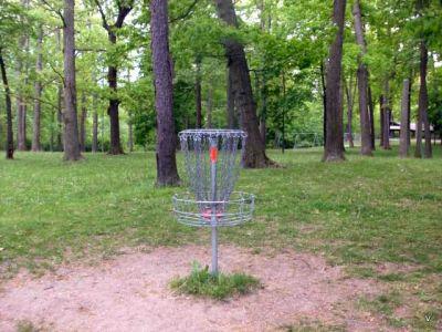 Mohawk DGC, Main course, Hole 5 Short tee pad