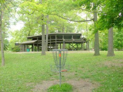 Mohawk DGC, Main course, Hole 2 Short tee pad