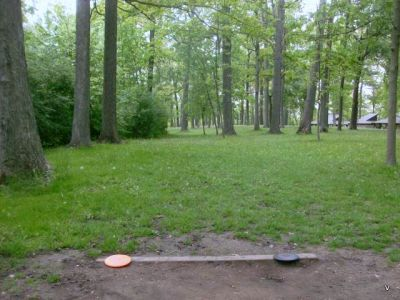 Mohawk DGC, Main course, Hole 10 Short tee pad