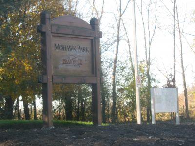 Mohawk DGC, Main course, Hole 1 Hole sign