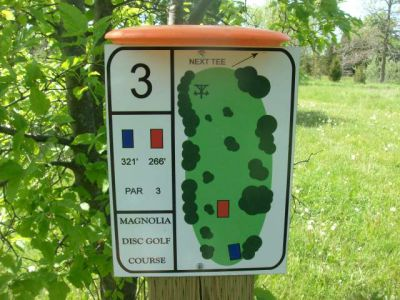 University of Guelph Magnolia, Main course, Hole 3 Short tee pad