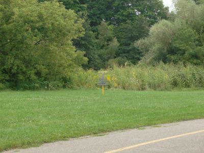 River's Edge at St. Julien's Park, Main course, Hole 10 Short approach