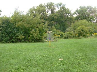 River's Edge at St. Julien's Park, Main course, Hole 13 Putt
