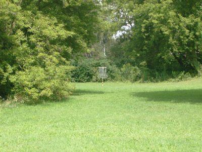 River's Edge at St. Julien's Park, Main course, Hole 2 Short approach