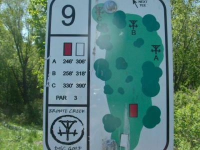 Bronte Creek Provincial Park, Main course, Hole 9 Short tee pad
