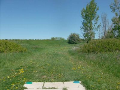 Bronte Creek Provincial Park, Main course, Hole 13 Short tee pad