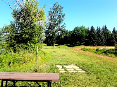 Bronte Creek Provincial Park, Main course, Hole 10 Short tee pad