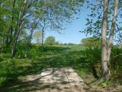 Bronte Creek Provincial Park, Main course, Hole 15 Short tee pad