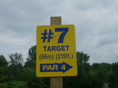 Riverview Park, Main course, Hole 7 Short tee pad