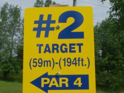 Riverview Park, Main course, Hole 2 Short tee pad