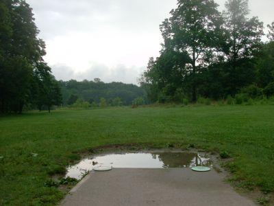 V.A. Barrie Park, Main course, Hole 3 Tee pad