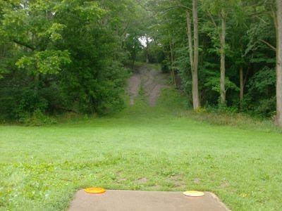 V.A. Barrie Park, Main course, Hole 8 Tee pad