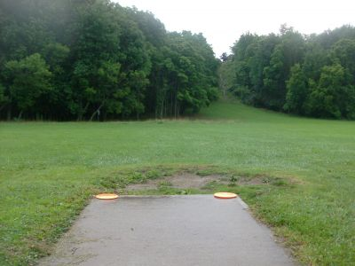 V.A. Barrie Park, Main course, Hole 10 Tee pad
