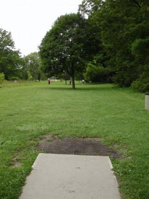 V.A. Barrie Park, Main course, Hole 15 Tee pad